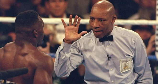 Referees like Steele (pictured) have huge admiration for fighters, says Glenn