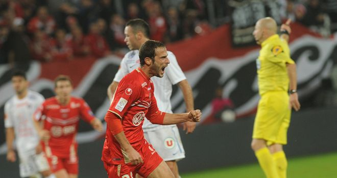 Gregory Pujol earns a point for Valenciennes