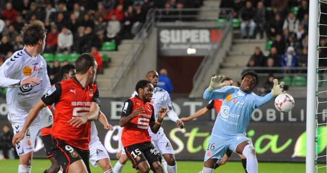 Mevlut Erding heads home Rennes' winner