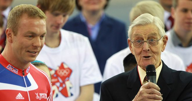 Tommy Godwin: Olympic medallist dies at the age of 91