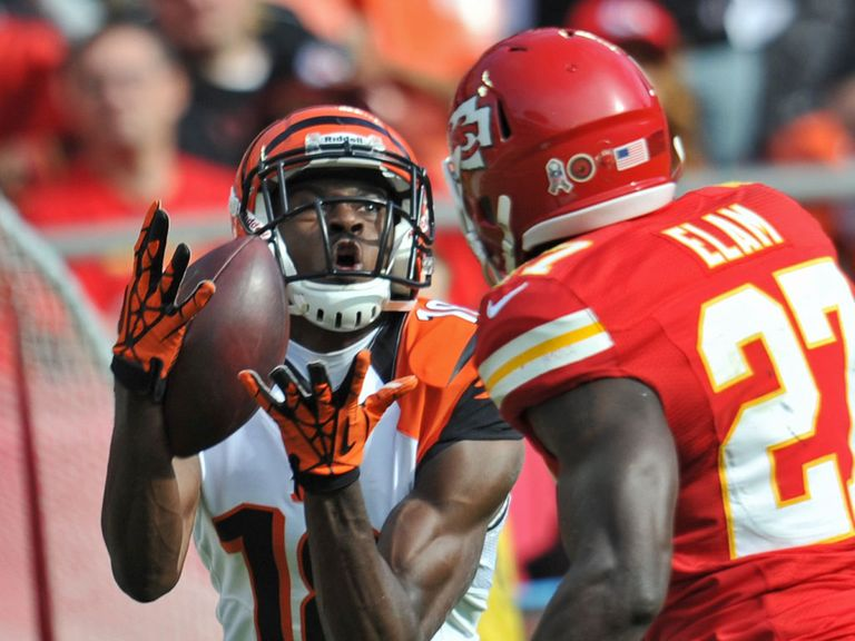 AJ Green hauls in another pass for the Bengals