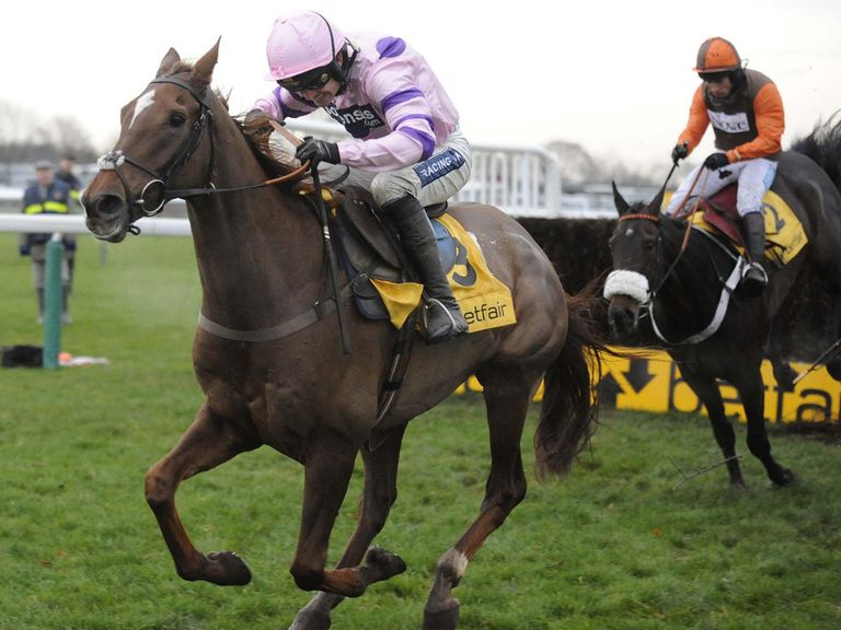 Silviniaco Conti had too much toe for Long Run at Haydock