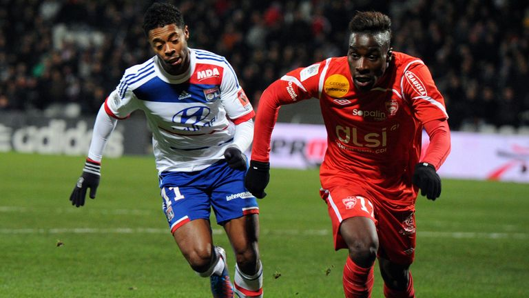 Michel Bastos (L): No deal agreed with Schalke for Lyon attacker