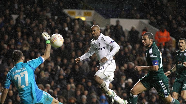Jermaine Defoe puts the gloss on Spurs' victory with the third goal