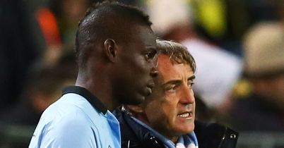 Mario Balotelli: Striker offers support to Manchester City manager Roberto Mancini