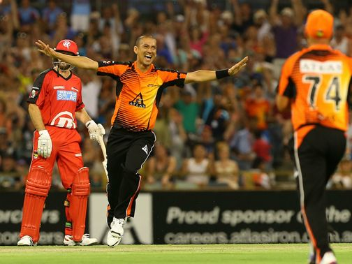 Alfonso Thomas: Perth seamer finished with figures of 4-8