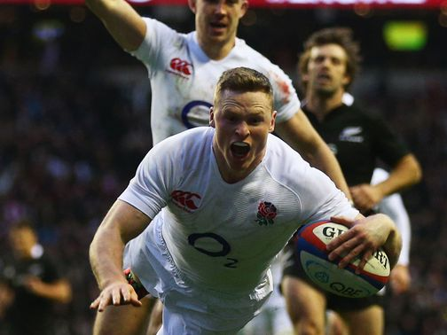 Chris Ashton dives over for and England try