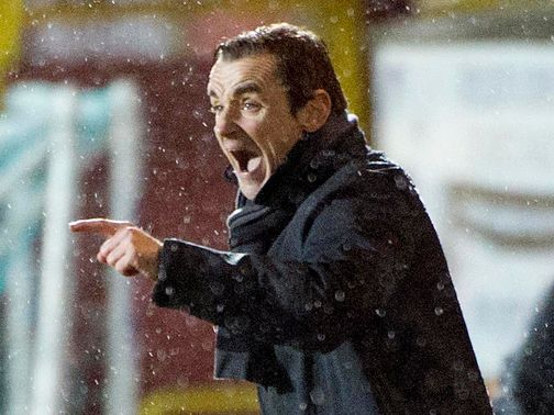 Danny Lennon: Has signed Newton