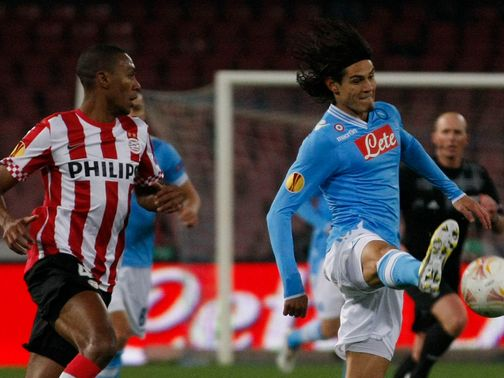 Edinson Cavani looks to get clear of Marcelo