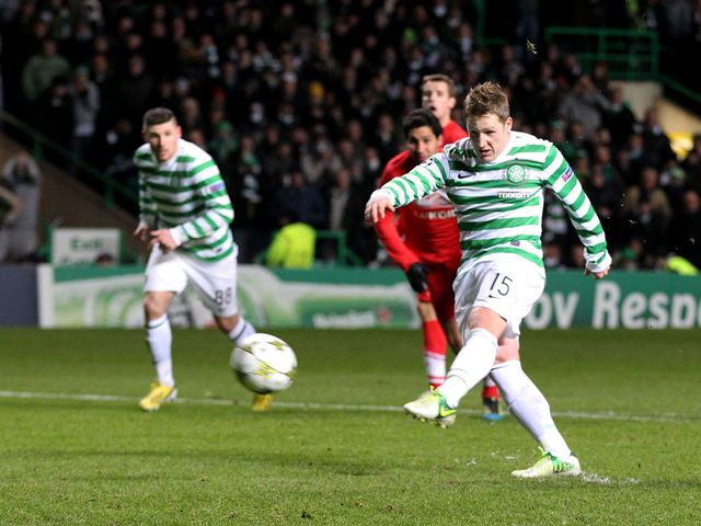 Commons' late penalty sent Celtic through to the next stage