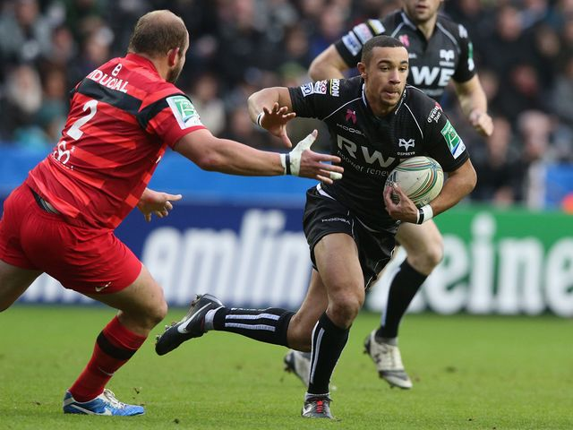 Eli Walker: Try scorer for Ospreys