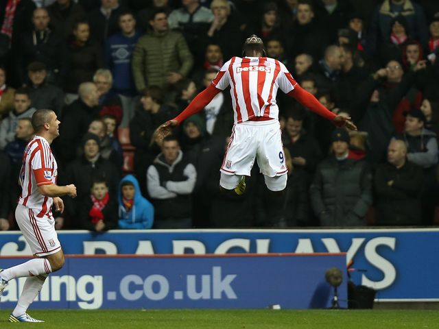 Kenwyne Jones celebrates his goal
