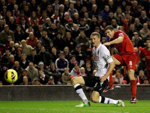 Steven Gerrard doubles Liverpool's lead