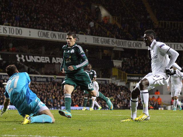 Adebayor scores Tottenham's opening goal