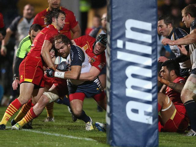 Andy Goode goes over for a Worcester try