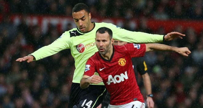 Ryan Giggs: Sir Alex Ferguson has defended the veteran amid criticism over his form