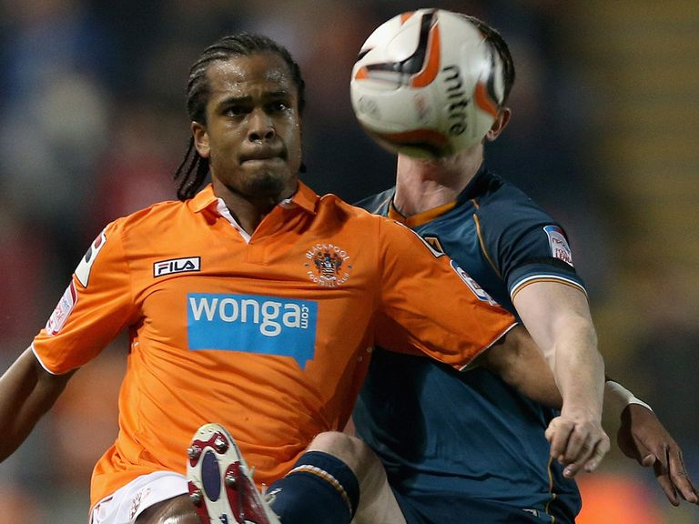 Nathan Delfouneso: Second Blackpool loan spell for Villa striker