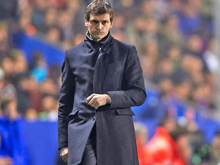 Tito Vilanova: Operation has gone 'as expected'