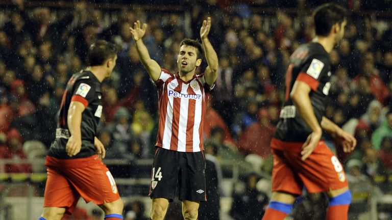 Markel Susaeta celebrates Bilbao's second goal