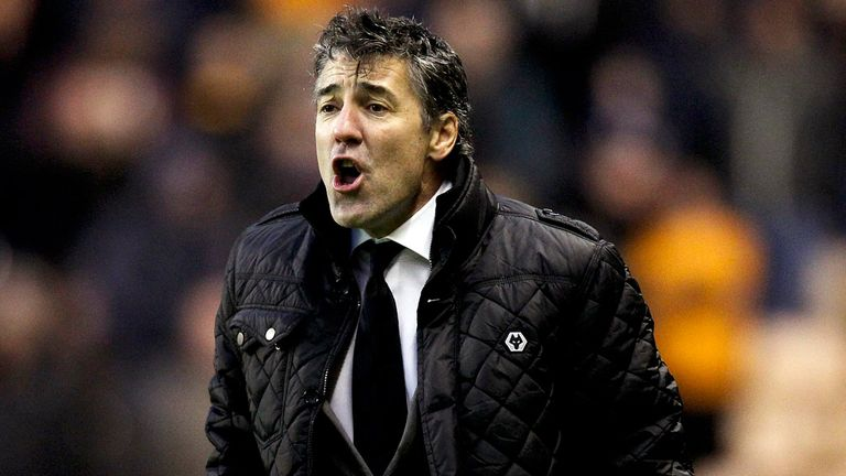 Dean Saunders: Wolves manager keen to bolster his defence