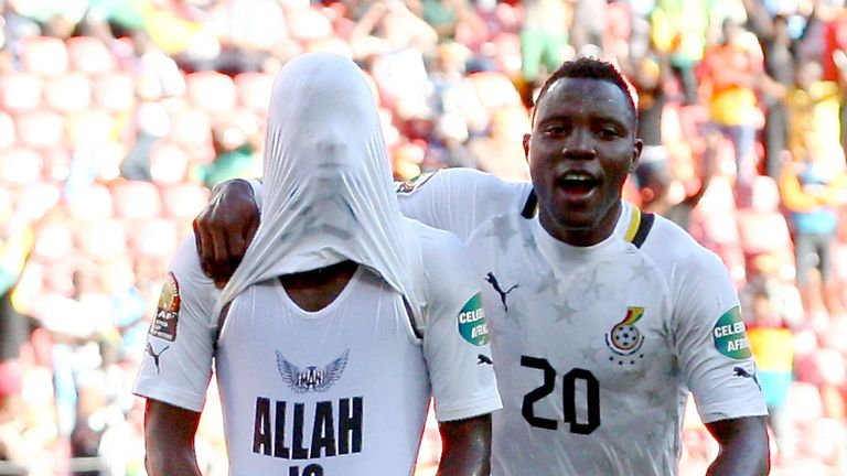 Mubarak Wakaso: Celebrates with Kwadwo Asamoah in Port Elizabeth