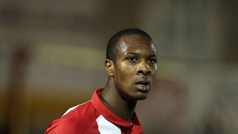Gavin Hoyte: Has full support of club