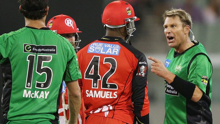 Shane Warne and Marlon Samuels - Ugly scenes at Sunday's Big Bash clash at the MCG