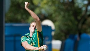 South Africa await news on the fitness of Morne Morkel and Lonwabo Tsotsobe as they open their ODI series in Sri Lanka