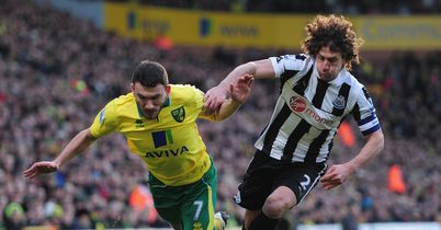 Robert Snodgrass: Tangles with Fabricio Coloccini