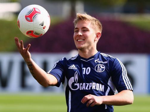 Lewis Holtby: Midfielder feels Tottenham can challenge for the title