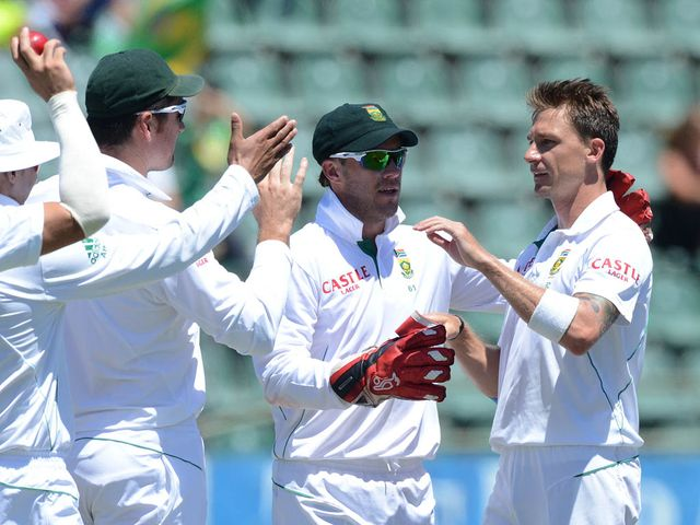 Dale Steyn: Three wickets to hasten Black Caps' demise