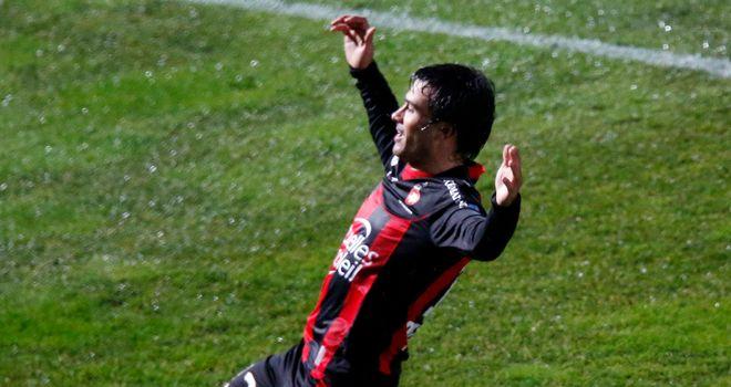 Dario Cvitanich celebrates Nice's opening goal