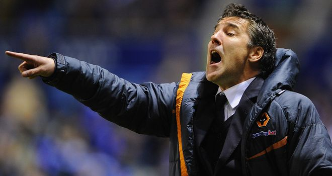 Dean Saunders: Frustrating night in Leicester for Wolves manager