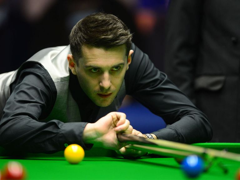 Mark Selby brushed aside Mark Williams