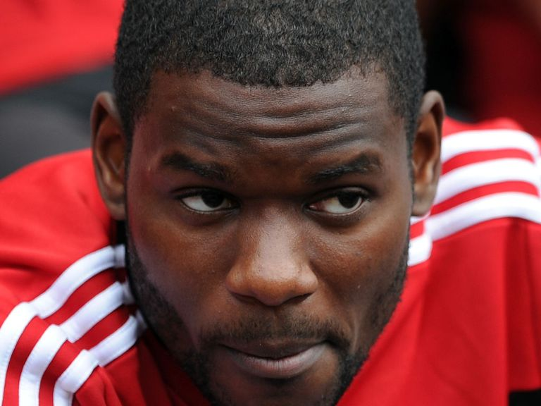 Maurice Edu: Leaves Stoke on loan