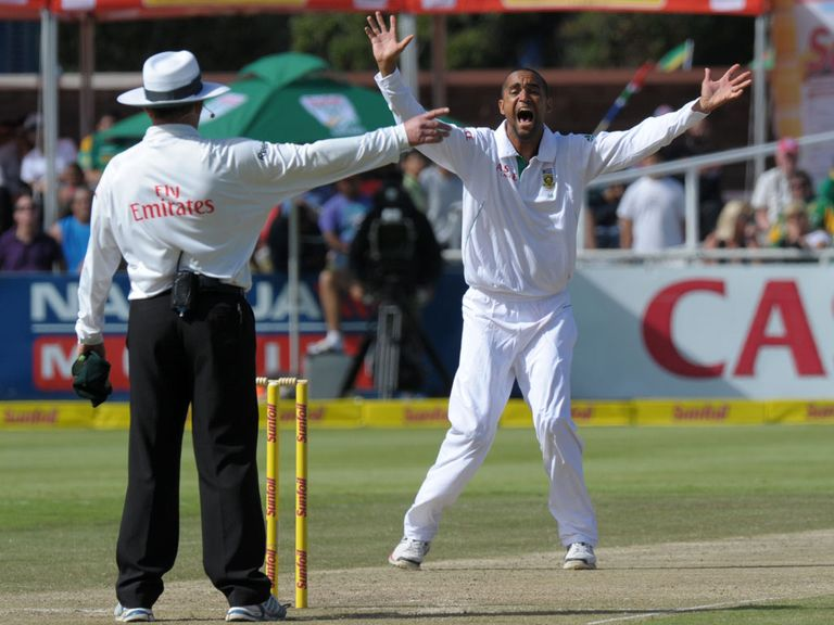 Robin Peterson gets the wicket of Brendon McCullum