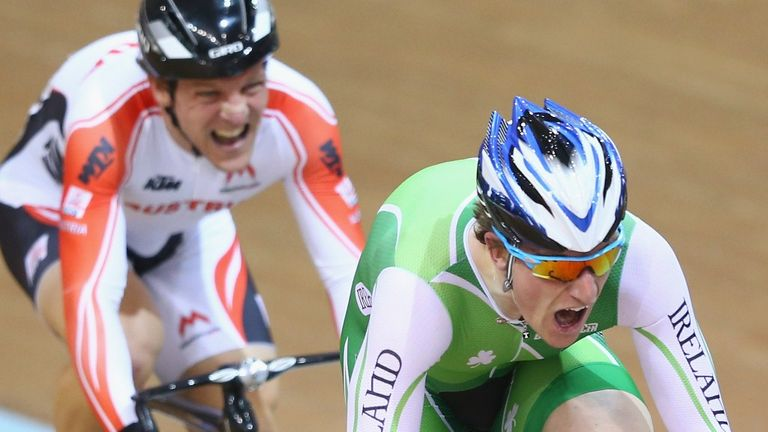 Martyn Irvine won the scratch race with a late attack