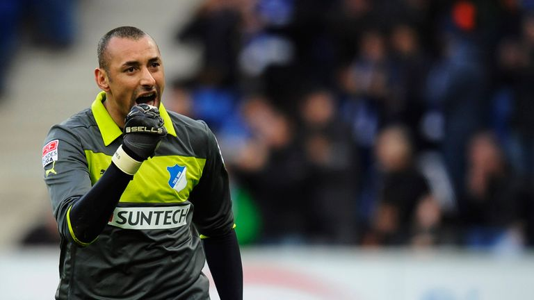 Heurelho Gomes: Goalkeeper laid low with broken hand