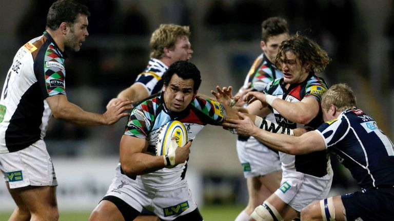 Maurie Fa'asavalu on the charge for Quins
