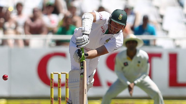 Graeme Smith: South Africa skipper in action against Pakistan