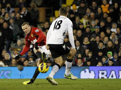 Wayne Rooney scores Manchester United&#39;s winner at Fulham.