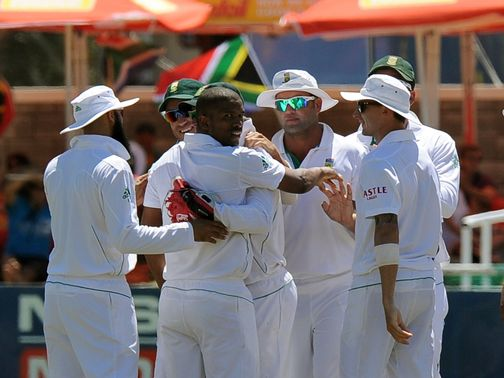 Vernon Philander: Picked up four wickets