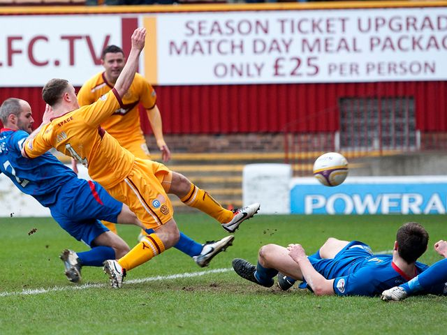 Nicky Law nets for Motherwell.