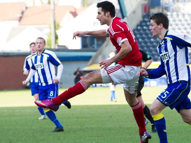 Rory Fallon scores for Aberdeen.