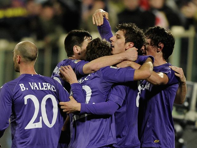 Stevan Jovetic (centre) celebrates as Fiorentina take charge