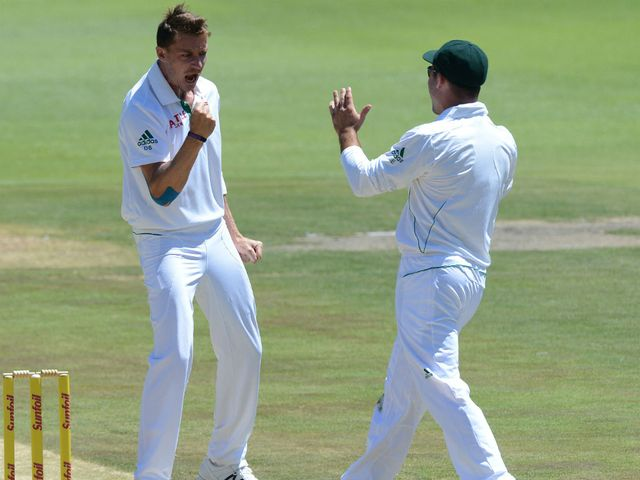 Dale Steyn finished with figures of six for eight