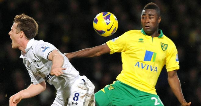 Alex Tettey: Challenges Scott Parker during Wednesday's clash