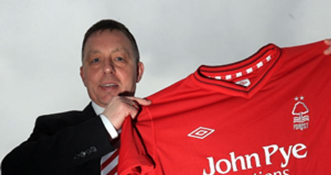 Billy Davies: Says he is in charge of picking the team