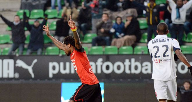 Jean Makoun scores a late equaliser for Rennes
