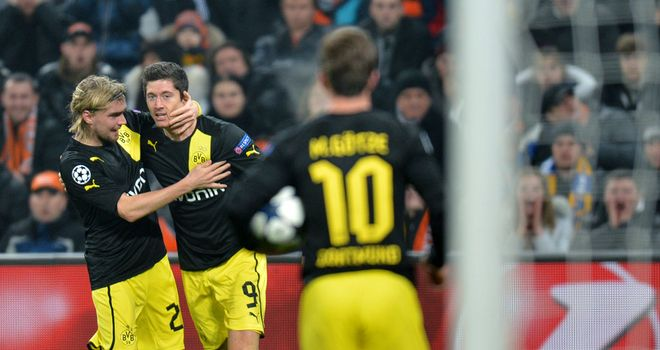 Robert Lewandowski: Celebrates his goal